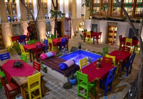 هتل عمارت هفت رنگ
